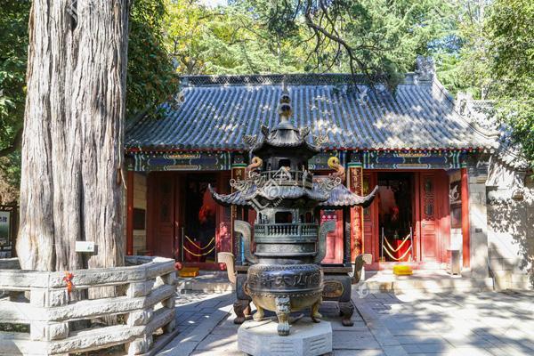 崂山历史上有哪些道观寺院?